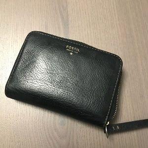 Handbags - Fossil wallet